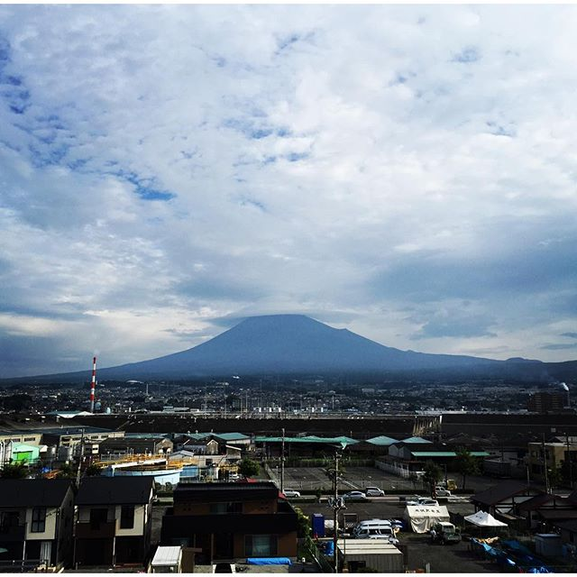 見るだけでブロック解除ライブ富士山おはようございます!久しぶりに富士山姿を見せてくれました。
