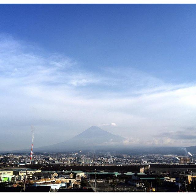 【見るとブロック解除されるLIVE富士山】おはようございます!「ありがとう」の奇跡を体感した! 「ありがとう」を100回言うからスタート今日も、あなたに「いいね!」がいっぱい、笑顔で暮らせる一日になります!#富士山 #見るだけでブロック解除 #ありがとうの奇跡