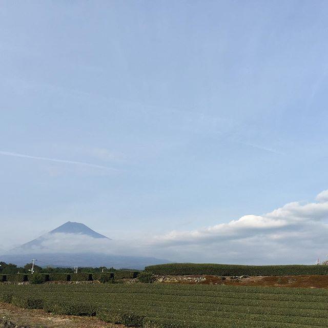 昨日の午後見えた富士山と共に、おはようございます!今日も、あなたに「いいね!」がいっぱい、笑顔で暮らせる一日になります!#富士山 #見るだけでブロック解除